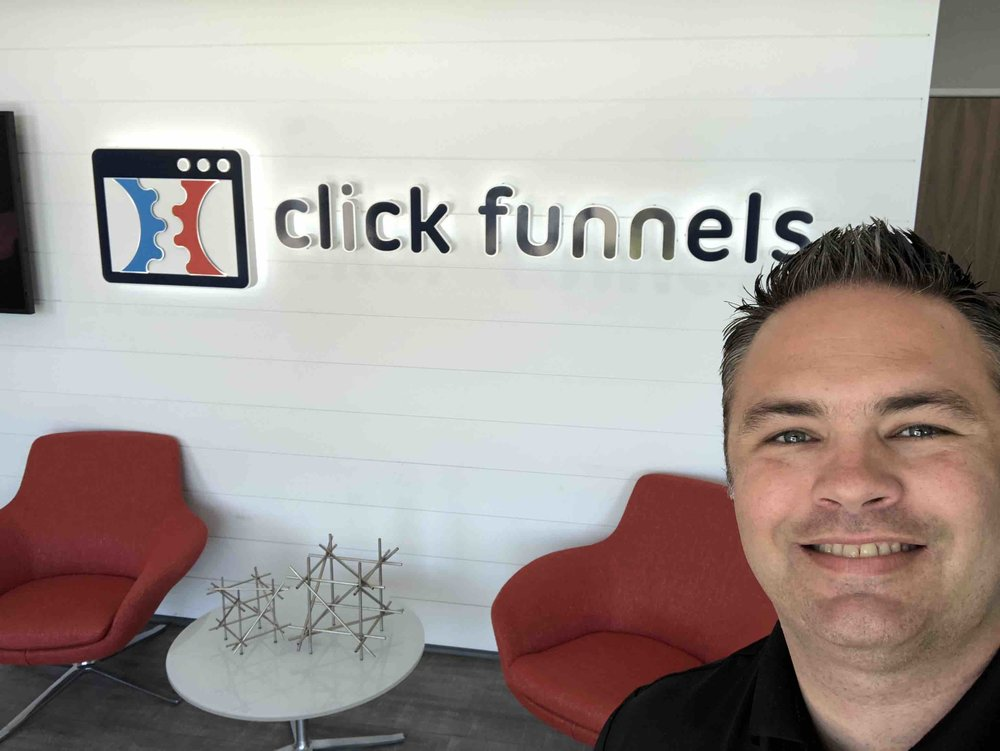 clickfunnels-pricing-HQ-sign