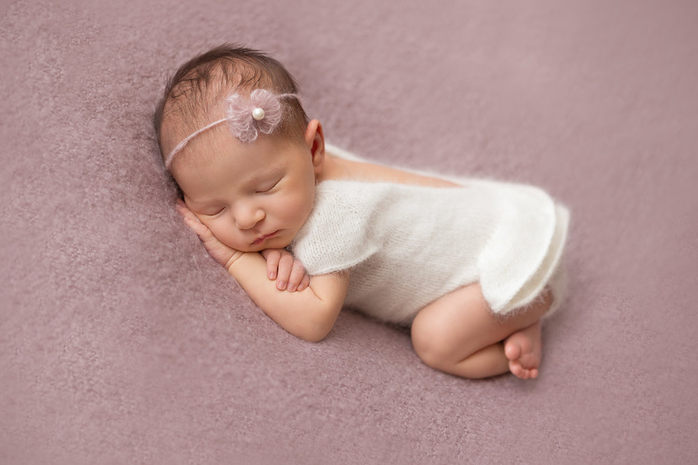 Putney Newborn phtographer in London.jpg