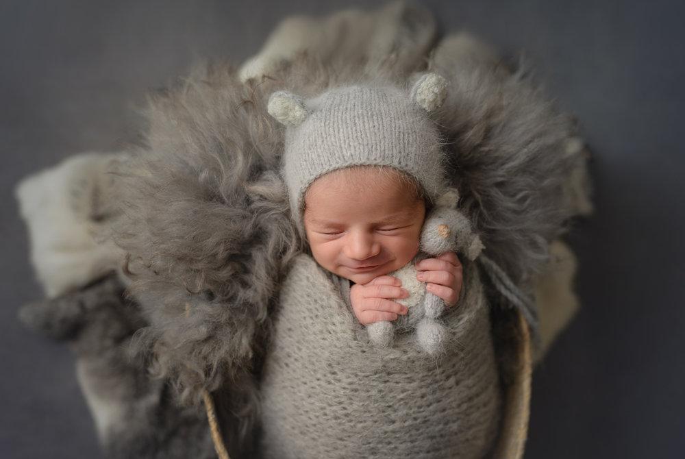 Hammersmith putney richmond fulham chelsea knightsbridge chiswick newborn baby family child photographer photos photography putney london