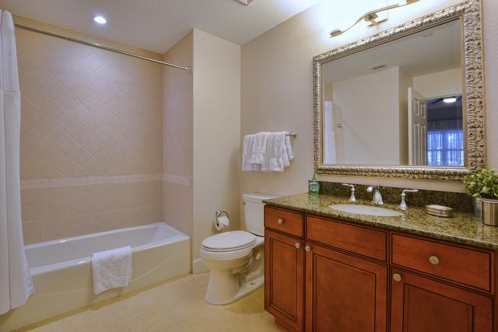 5-Guest Bath 1.jpg