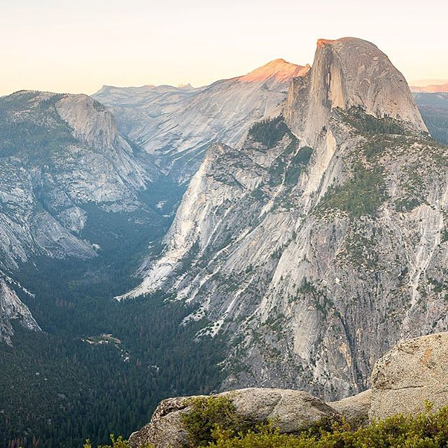 Glacier Point offers stunning views of Tenaya Canyon, Half Dome, Liberty Cap, Little Yosemite Valley, Vernal Fall and Nevada Fall. Drive your own vehicle or take a tour bus, just don't miss out on this view. Photo by Josh. #parktopark2016
