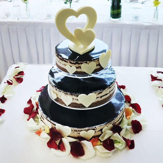 hazelnutChocolateWeddingCake.jpg