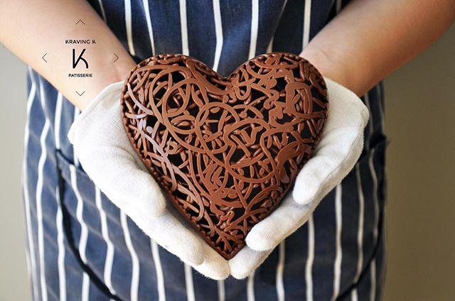 We are still celebrating Valentine's Day! Happy Valentine's week ! #Hkfood #hongkongfood #hkfoodporn #hkfoodstagram #hkdessert #hongkongcakes #hkpastry #hkpatisserie  #cakestagram #dessertporn #hkcake  #hongkongcake #hkcakeshop #kravingk #hkbakeryshop #pastryart  #chefstalk #pastrydelights #pastryinspiration #訂蛋糕 #百日宴 #散水餅 #網上蛋糕店 #hkonlinebakery #chefsgossip #香港蛋糕店 #hkonlinebakery #hkigcakeshop