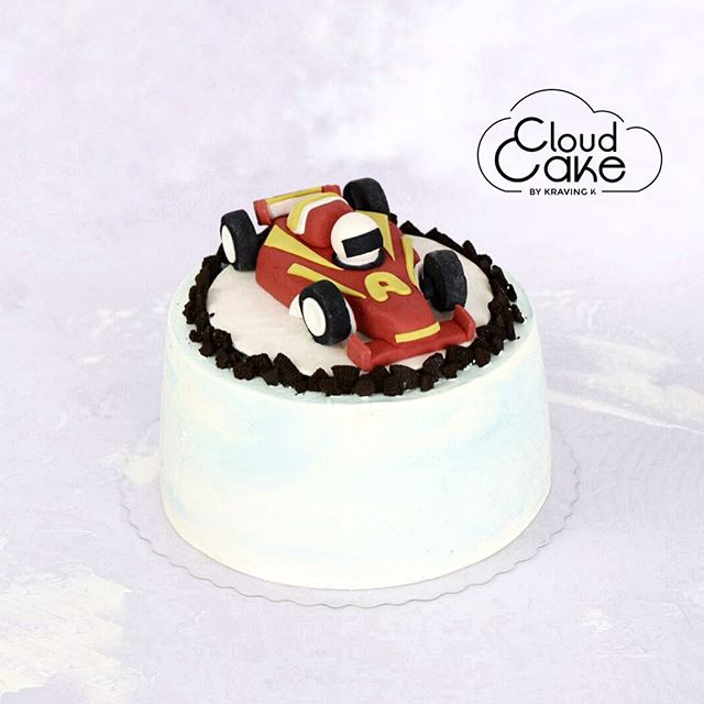 [Chocolate Cloud Cake]  #Valrhona chocolate, vanilla  buttercream, decorated with a fondant racing car.  Our signature product #theoriginalcloudcake is fluffy like a cloud ☁️! ——————————————————————— 💻 www.kravingk.com . 📱 +8️⃣5️⃣2️⃣ 6️⃣6️⃣0️⃣8️⃣ 3️⃣8️⃣3️⃣3️⃣ ——————————————————————— #Hkfood #hongkongfood #hkfoodporn #hkfoodstagram #hkdessert #hongkongcakes #hkpastry #hkpatisserie  #cakestagram #dessertporn #hkcake  #hongkongcake #hkcakeshop #kravingk #hkbakeryshop #pastryart  #chefstalk #pastrydelights #pastryinspiration #訂蛋糕 #百日宴 #散水餅 #網上蛋糕店 #hkonlinebakery #chefsgossips #香港蛋糕店 #cloudcake