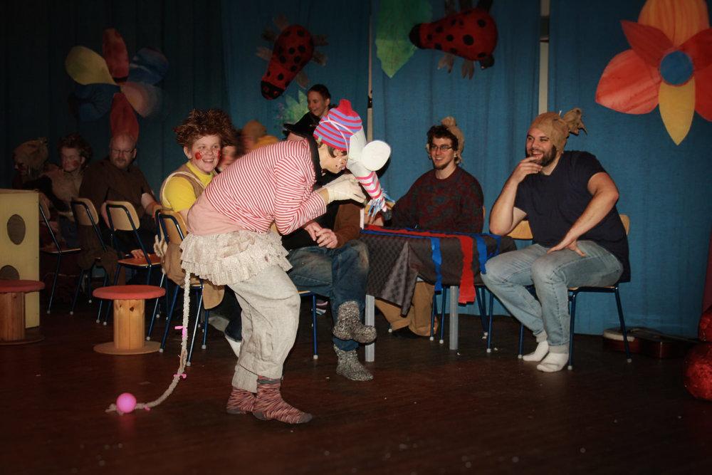 """Det här året bygger teatern av lärarna på sagan """"Råttfångaren i Hameln""""."""