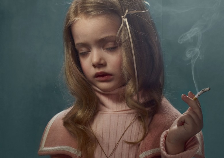 frieka_janssens_smoking_kids_12