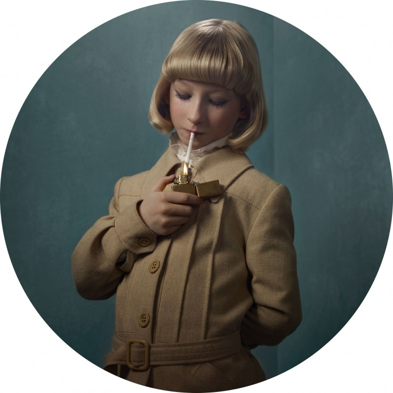 frieka_janssens_smoking_kids_6