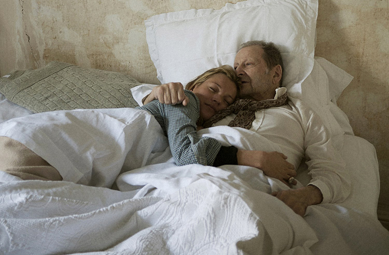 the-life-of-lucian-freud_kate_moss_in_bed