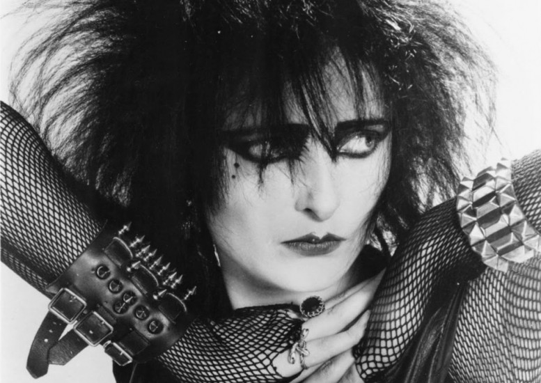 Siouxsie-Sioux-female-punk-singers_seasons_in_the_sun-777x550.jpg