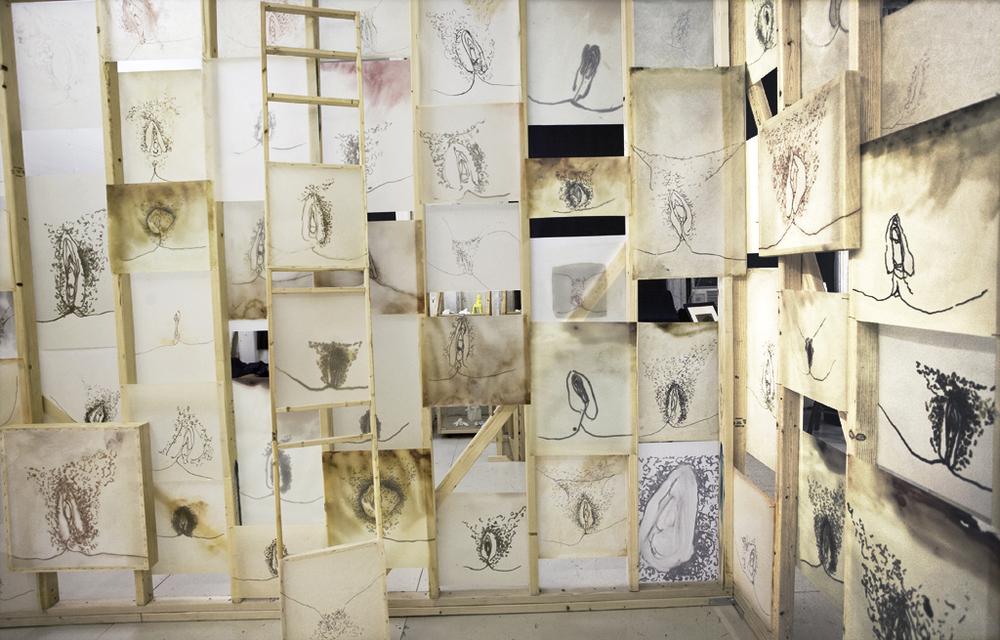 ida applebroog documenta 13 autre magazine. Black Bedroom Furniture Sets. Home Design Ideas
