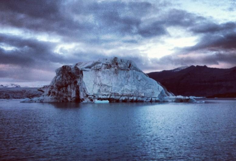 dustin_lynn_surf_trip_iceland_10
