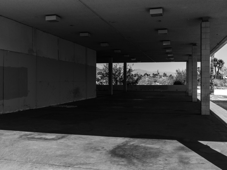 portrait_of_a_defeated_architecture_hedi_slimane_palm_springs_12