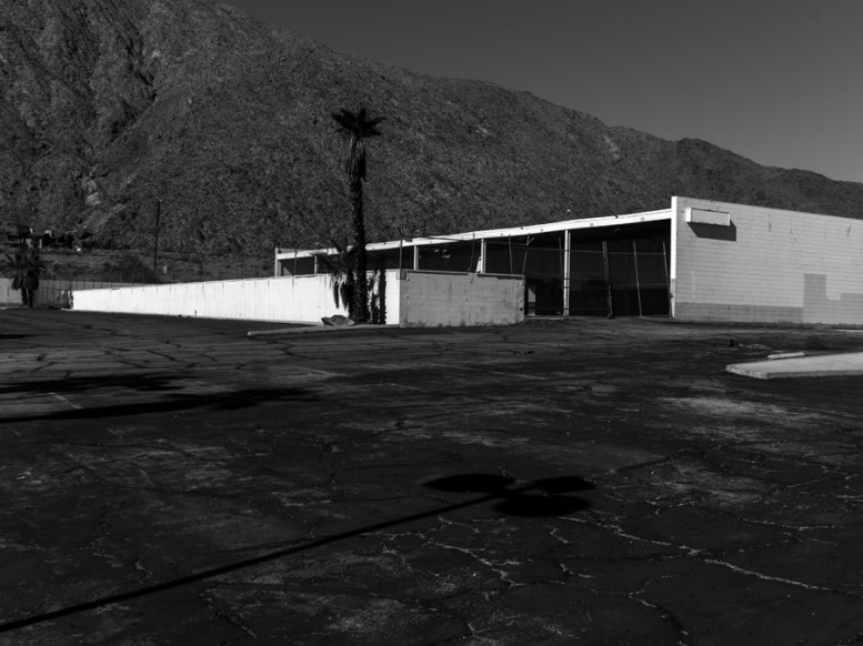 portrait_of_a_defeated_architecture_hedi_slimane_palm_springs_17