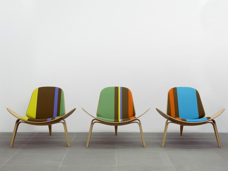 shell-chairs-big-stripe_hans_wegner