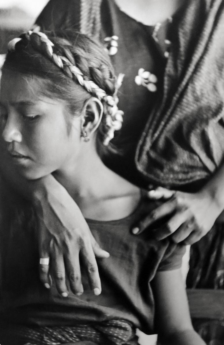 Henri-Cartier-Bresson-Mexico_GirlWbraids152-777x1194.jpg