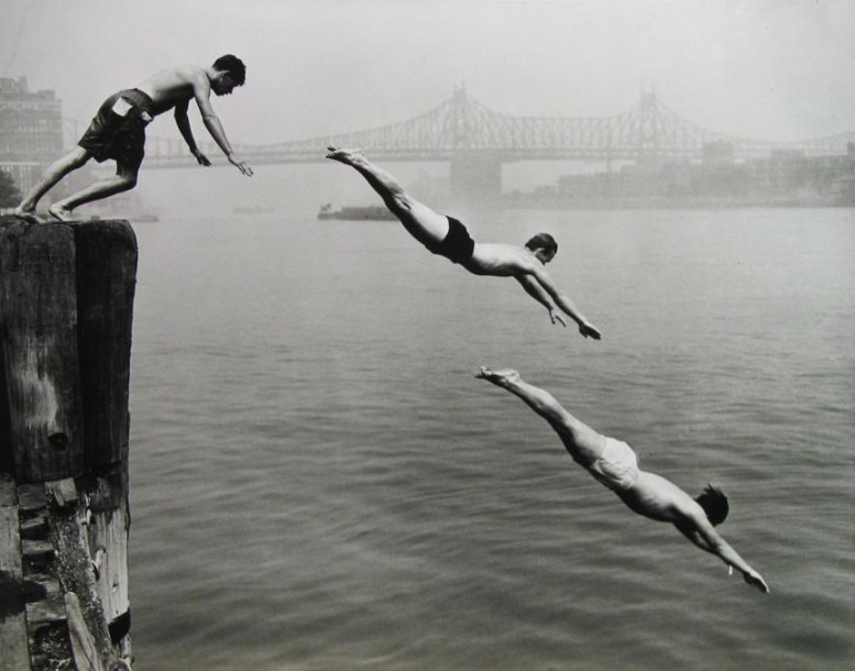 arthur_leipzig_east_river_divers