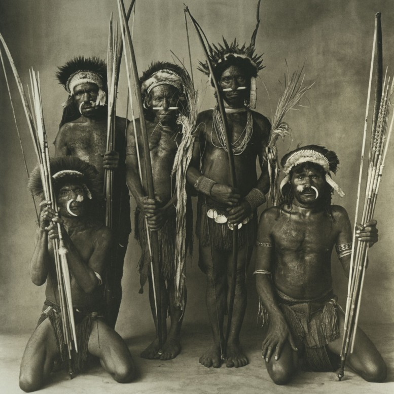 Five_Okapa_Warriors_irving_penn