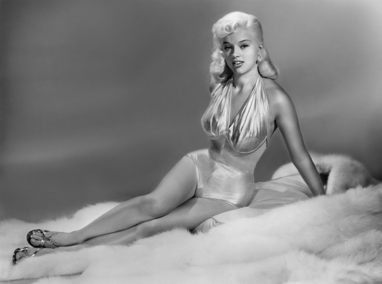 Diana-Dors-Feet-382731_Worrall_Dave_Pfeiffer_Lee_cinema_sex_sirens