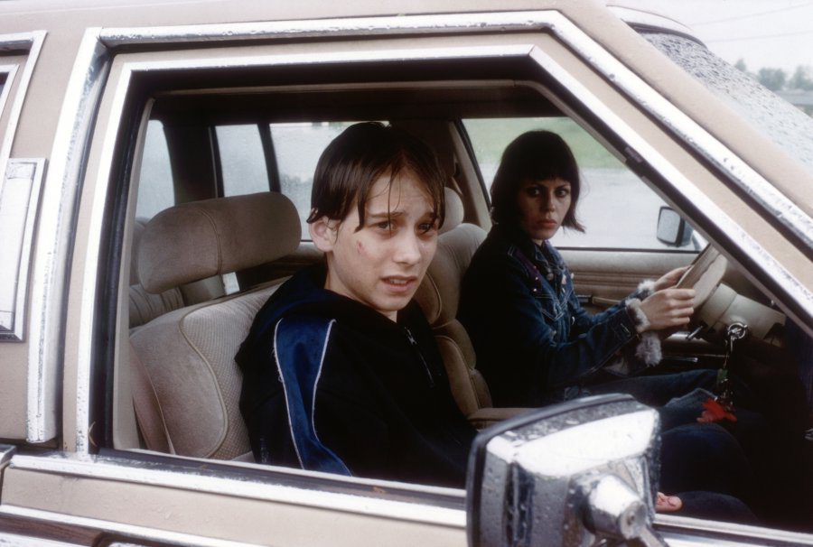 Lou Taylor Pucci and Fairuza Balk in Personal Velocity (2002)