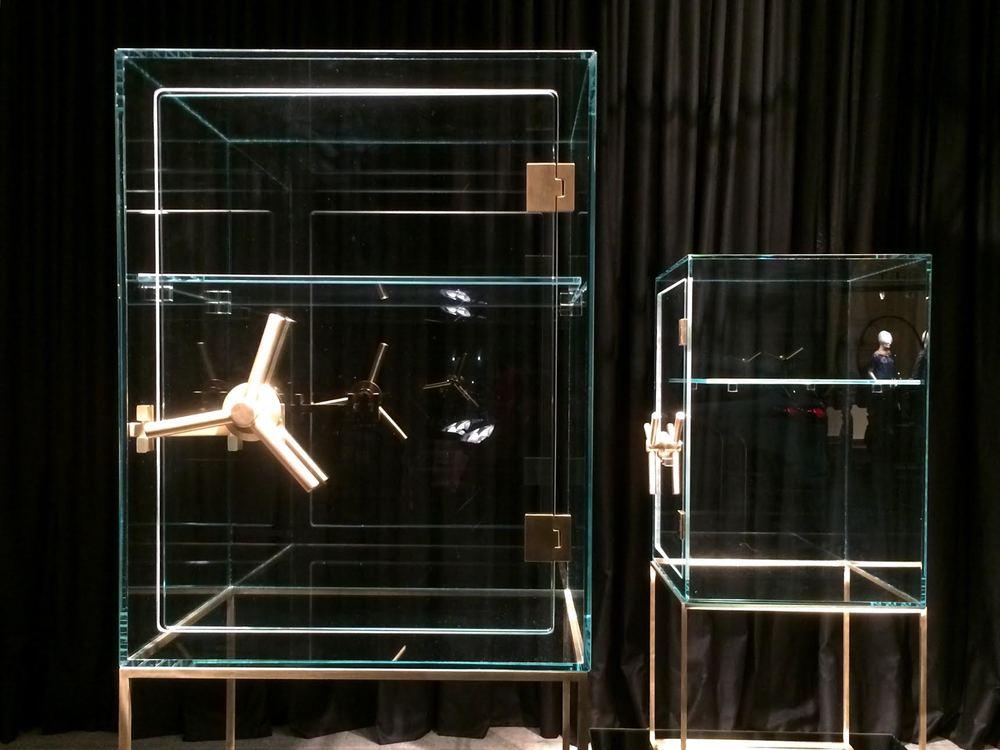 Precious Storage glass Vault / Spazio Pontaccio