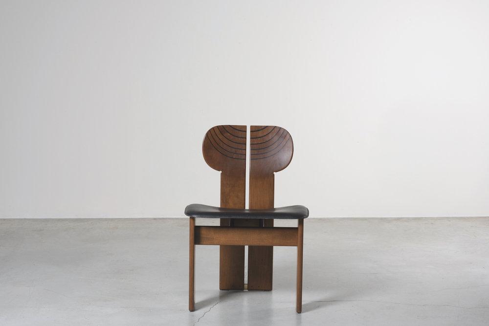 NOMAD St.Moritz_Nilufar Gallery Milan_Africa Chairs_Afra e Tobia Scarpa_ph.Daniele Iodice.jpg