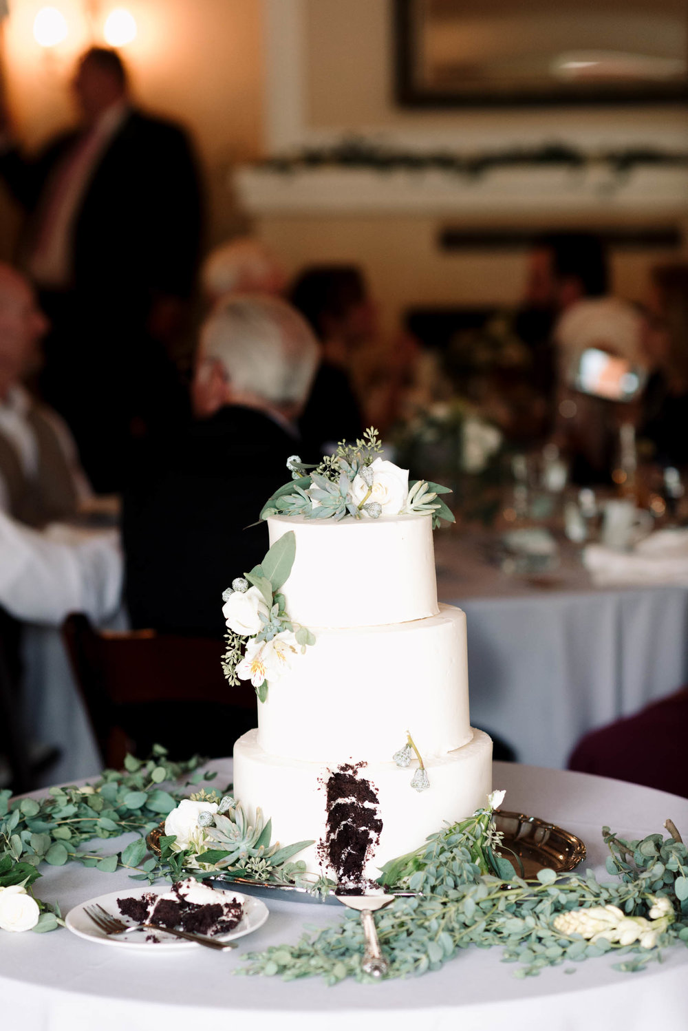 belle&sass_weddingcake_losangeles