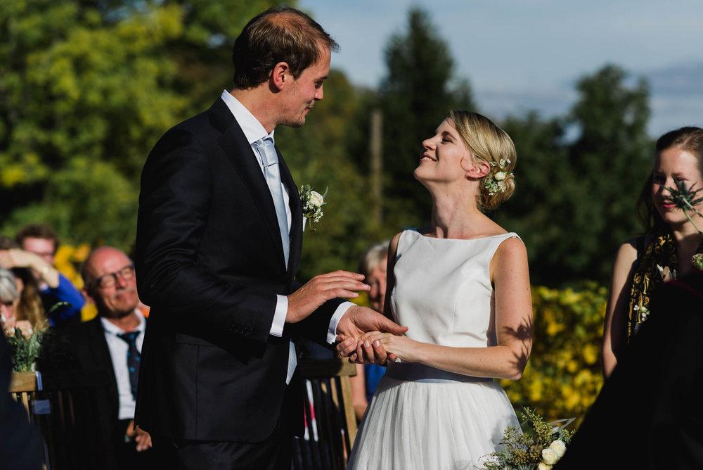 belle&sass_Weingut am Reisenberg_Hochzeit-33.jpg