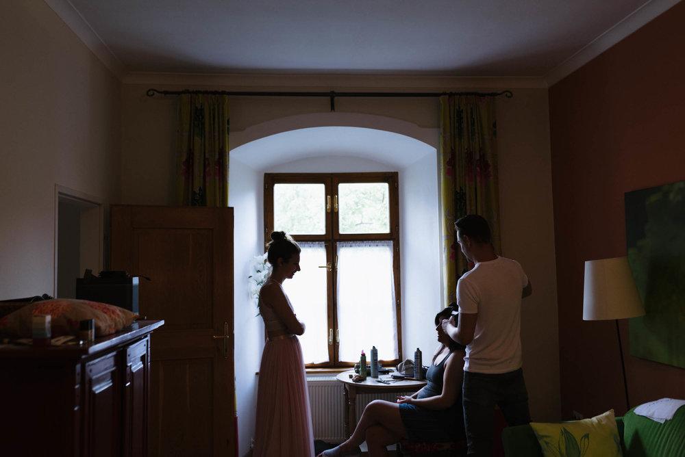 belle&sass__Hochzeit im Weingut Holzapfel_0008.jpg