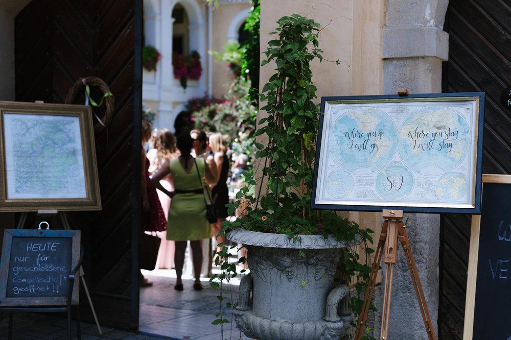 belle&sass__Hochzeit im Weingut Holzapfel_0033.jpg