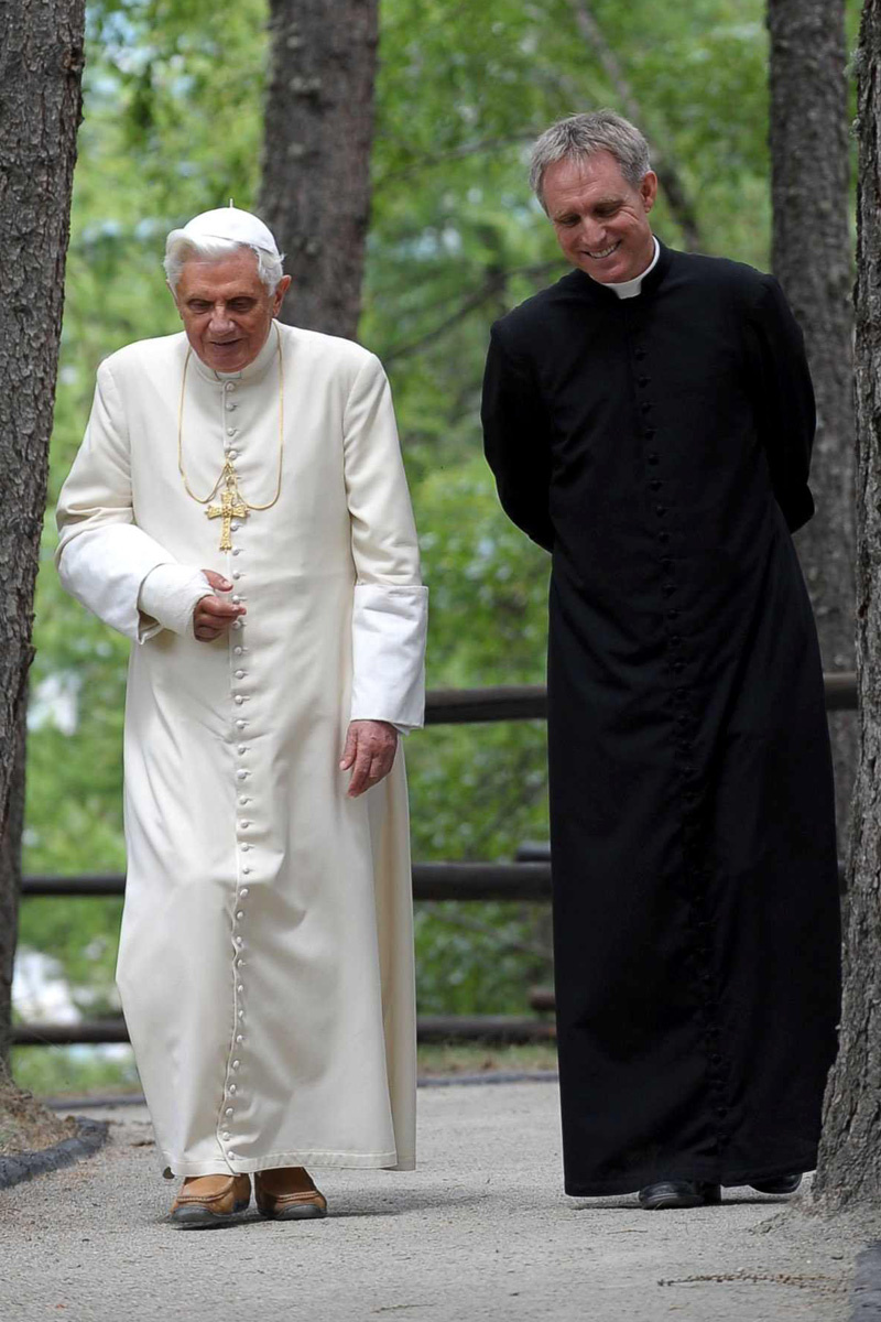 Mons-Georg-e-Benedetto-XVI