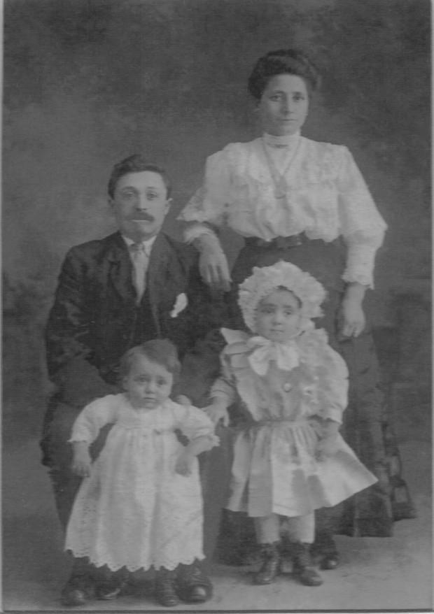 Martino Giuseppe, Vincenzo, Biondi Rosina, Adelina copy (1)