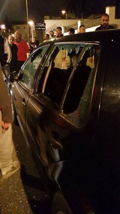 صورة لإحدى السيارات التي تعرضت لأضرار