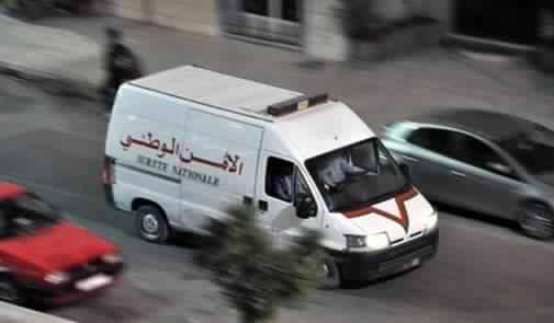 صورة تعبيرية توضح سيارة تابعة للشرطة تنقل أحد الاشخاص