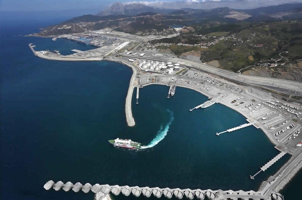 ميناء طنجة المتوسط الحاصل على شهادة ميناء إيكولوجي