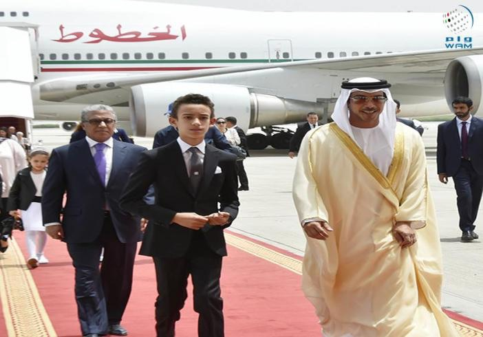 لحظة وصول الأمير مولاي الحسن الى مطار أبو ظبي يوم السبت