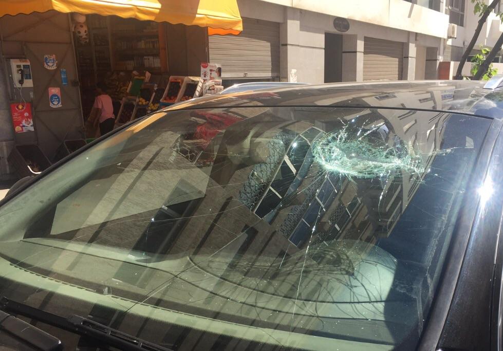 اثار العنف على سيارة أسعد المسعودي