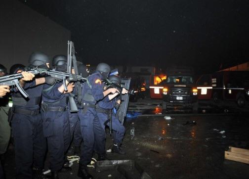 وصول التعزيزات الأمنية وسماع صوت إطلاق النار