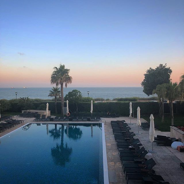 Sunday evenings in Portugal 🌅 #cascais #portugal #estoril #sunset #waterreflection #poolview #bluesky #eiamoments #iphonephotography #smartphonephotography #photography #travelphotography #travelgram #instatravel #travel #instago #worldingram #lifeisgood