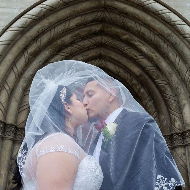 Sharing a kiss under the veil 👰 💕🤵#newlyweds #brideandgroom #engagedandinked #veil #wedding #orangecountyphotographer #santaana