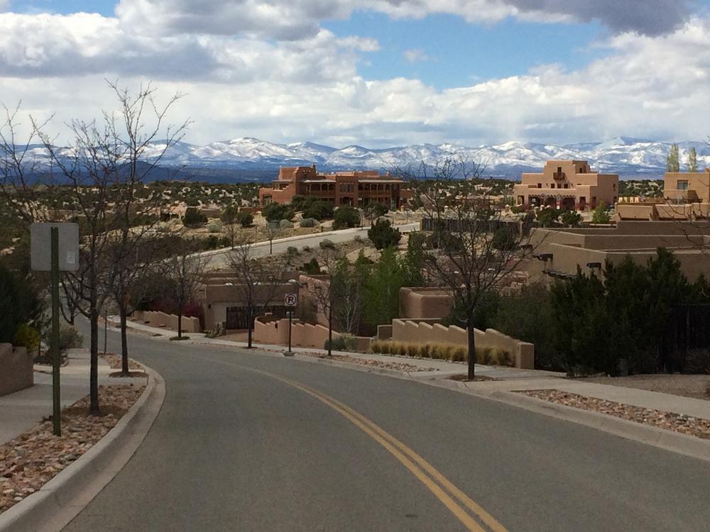 Welcome to Aldea de Santa Fe (photo courtesy of Lisa Hinson)