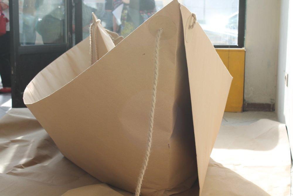 Bateau géant en papier recyclé    Concours artistique C'ARTE D'ACQUA
