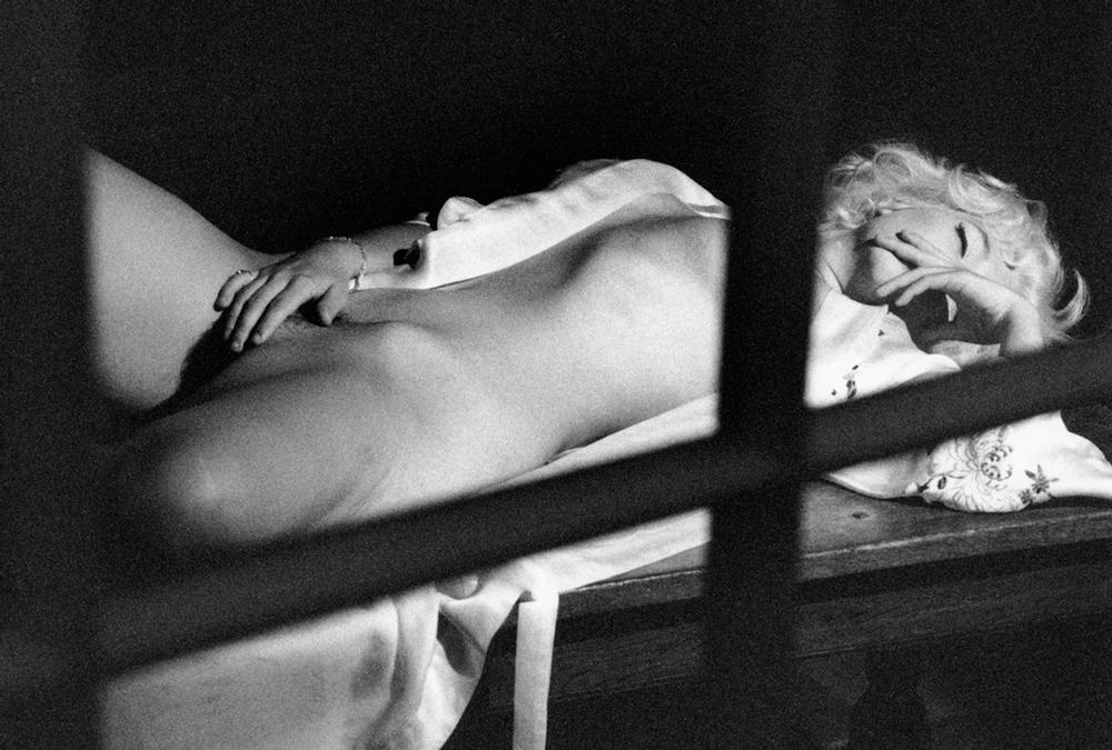 Marilyn Reclining