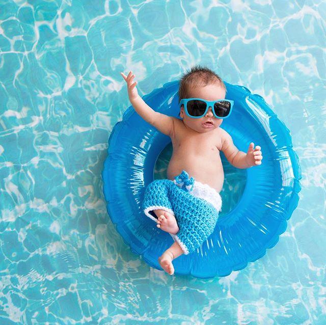Current Mood. 👶🏻🌴☀️ #oliverwperez #sonbechillin #dadmode - - - - - - #baby #babyboy #babychillin #postoftheday #florida #lounging #poolparty #poolday #pooltime #sunnyday #dad #daddy #proudfamily #prouddaddy #babyshades #babyfashion #babyfashionista #tongueout #shortshorts #blueshorts #watercolor #bluepool #funnybaby #relaxedbaby #familyphotography #family #lifeisbeautiful