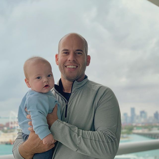 "Yesterday this handsome fella turned 6 months old. Happy half B-day @oliverwperez love you tons! ❤️ Speaking of halves, yesterday I also completed my 8th Miami half marathon. Yesterday was a good day. #dadandson #prouddad #dadlife #lategram  #sixmonthsold #oliverwperez 📸: @nunobonet ""el padrino"" . . . . . . #miami #miamihalfmarathon #miamihalfmarathon2019 #runner #futurerunner #miamibeach #nike #skyline #running #runningmotivation"