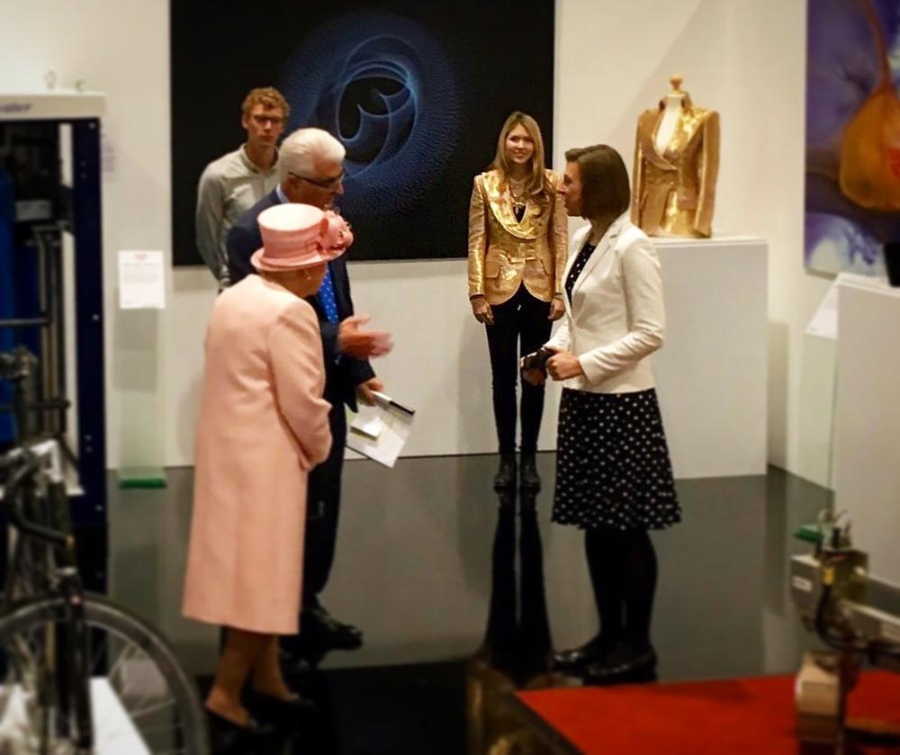 Beatie Wolfe dressed in Mr Fish to greet The Queen (Elizabeth II)