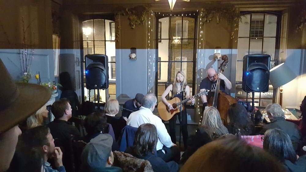 Beatie Wolfe and the Pack live at Blacks Members Club for Golden Slippers