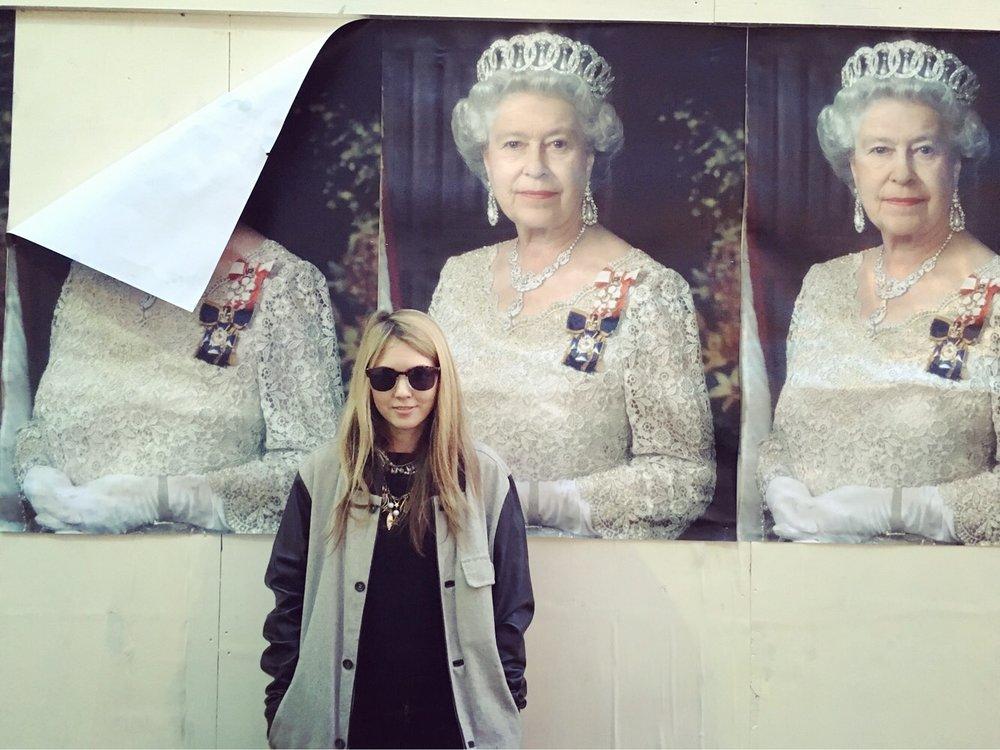 Beatie Wolfe with three Elizabeth II