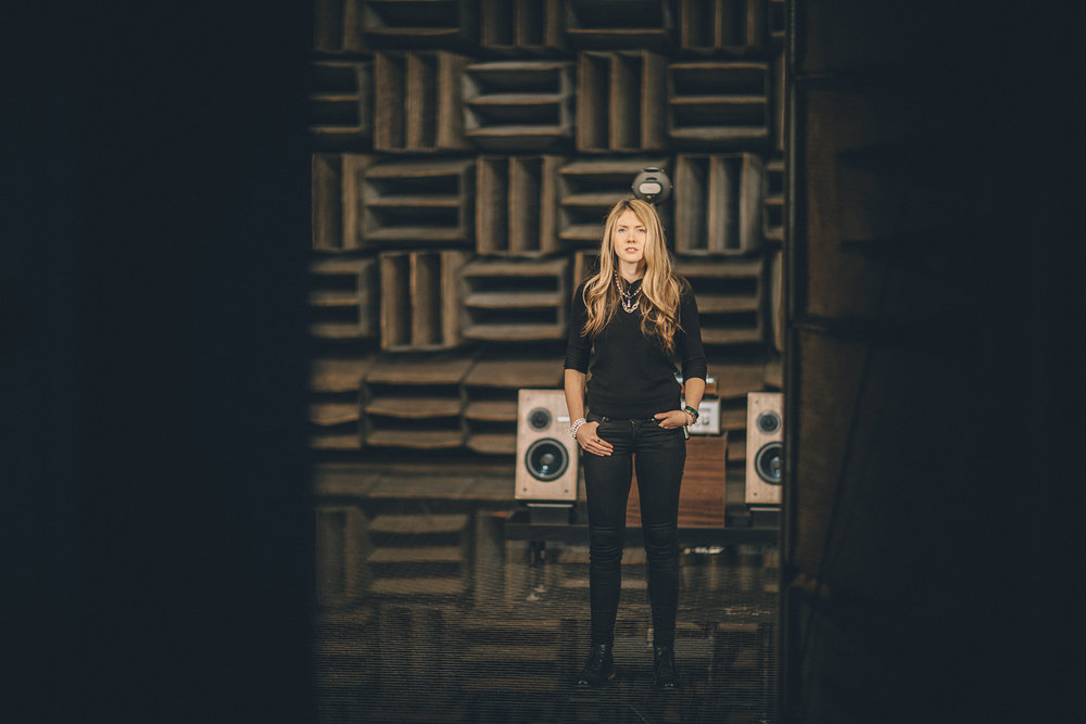 Beatie Wolfe - 2017 Raw Space - in Bell Labs Anechoic Chamber with turntable by Veanne Cao (2).jpg