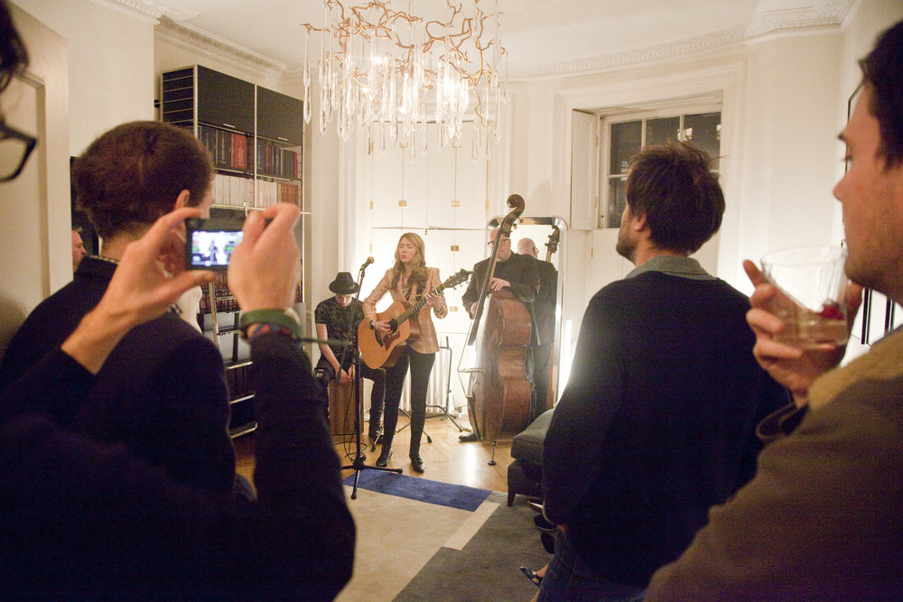 16. Beatie Wolfe in her Musical Jacket & the Pack playing inside 34 Montagu Square - Photo by Ollie Smallwood.jpg