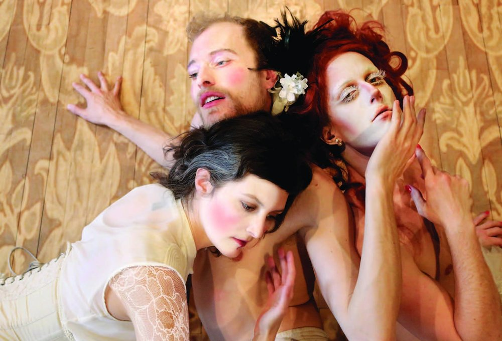 Ted Littlemore, Jeremy O'Neill and Kate Franklin in  Trifoni Amore  by Idan Cohen/Ne.Sans
